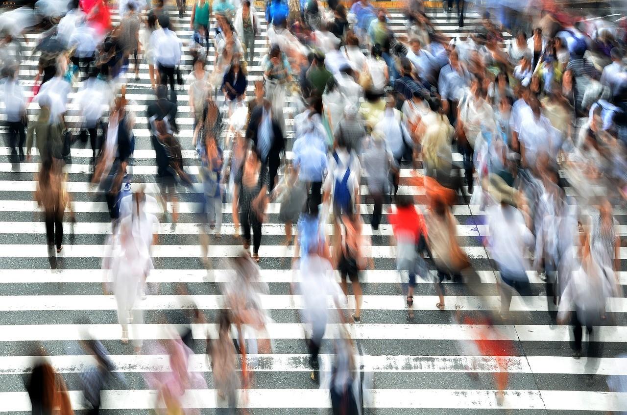 pedestrians-400811_1280.jpg