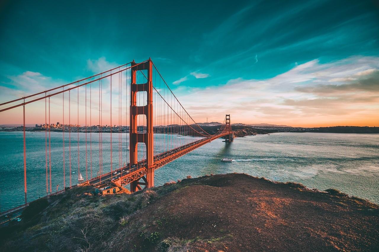 golden-gate-bridge-1081782_1280.jpg