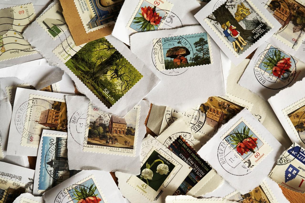 postage-stamps-484991_1280.jpg
