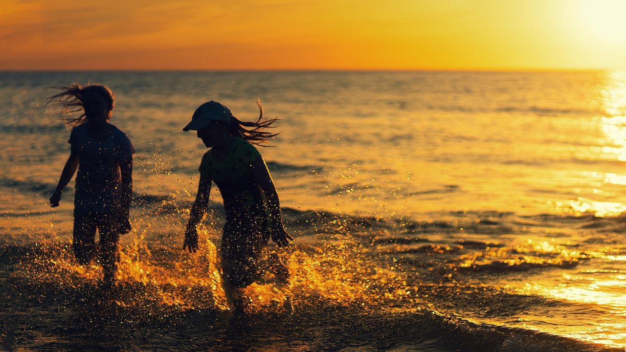 beach-4524911_1280.jpg