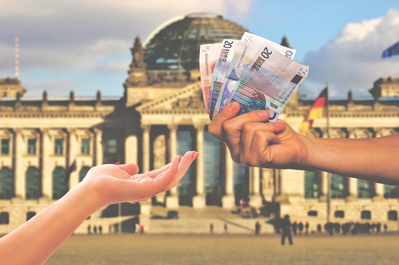 money-3864576_1280.jpg