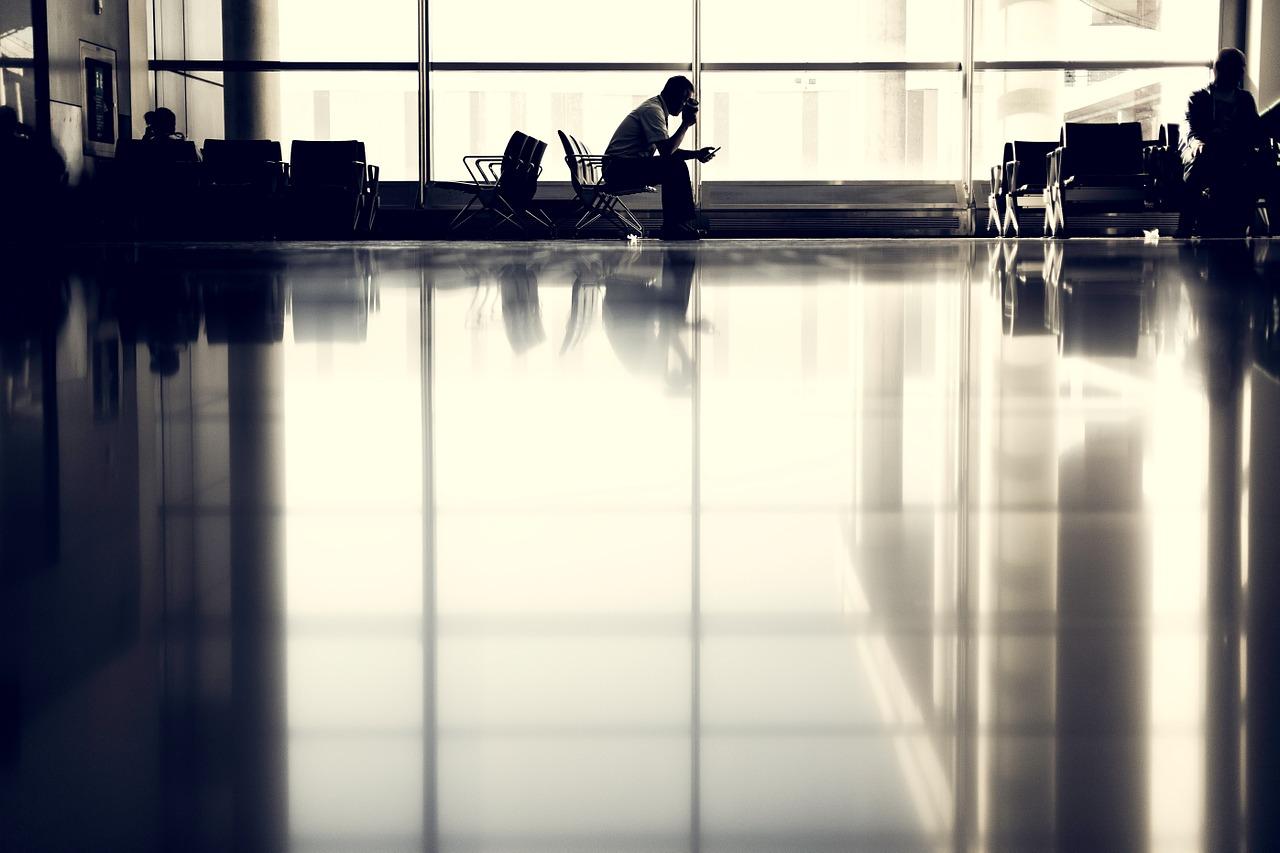 airport-923970_1280.jpg